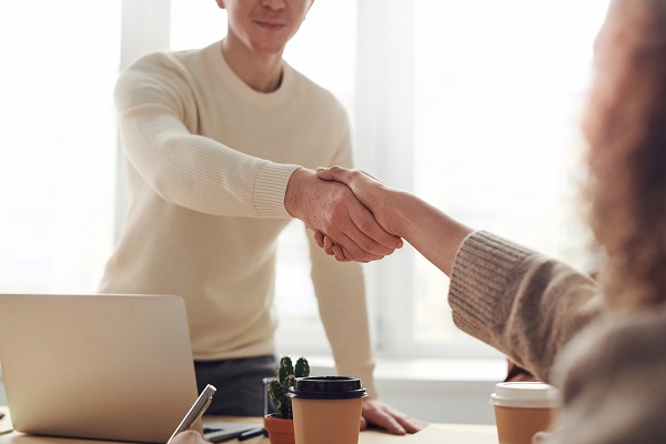 spolupraca-spokojnost-uspech-vysledky-outsourcing-externa-firma-marketing-pr-komunikacia